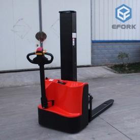 单立柱电动堆垛车