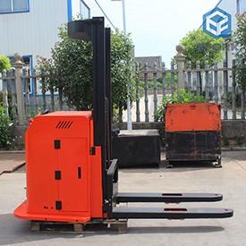 AGV堆高车车体